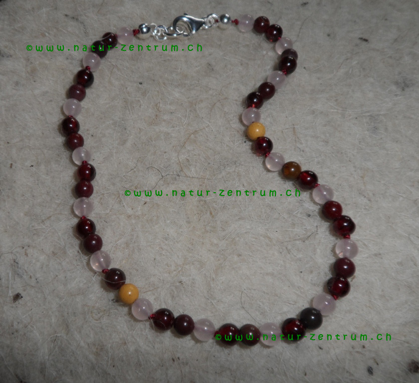 Granat, Mookait, Rosenquarz
