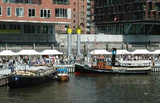 """""""Tüdel und Tampen"""" im Sandtorhafen, 31.7.2010. Foto Andreas Westphalen"""