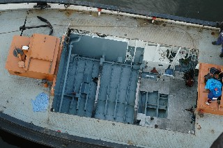 Einsetzen des neuen Kessels, Nordwerft 29.3.2010. Fotos Andreas Westphalen