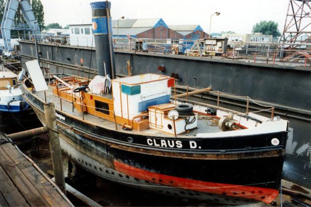 Im Dock bei Jugend in Arbeit, 1996. Foto Björn Nicolaisen