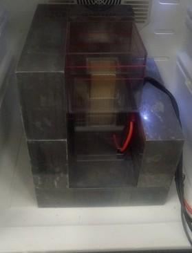 チャッピー検出器と放射線測定用冷蔵庫の中