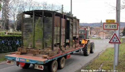 Arrivée du wagon à Saint-Uze