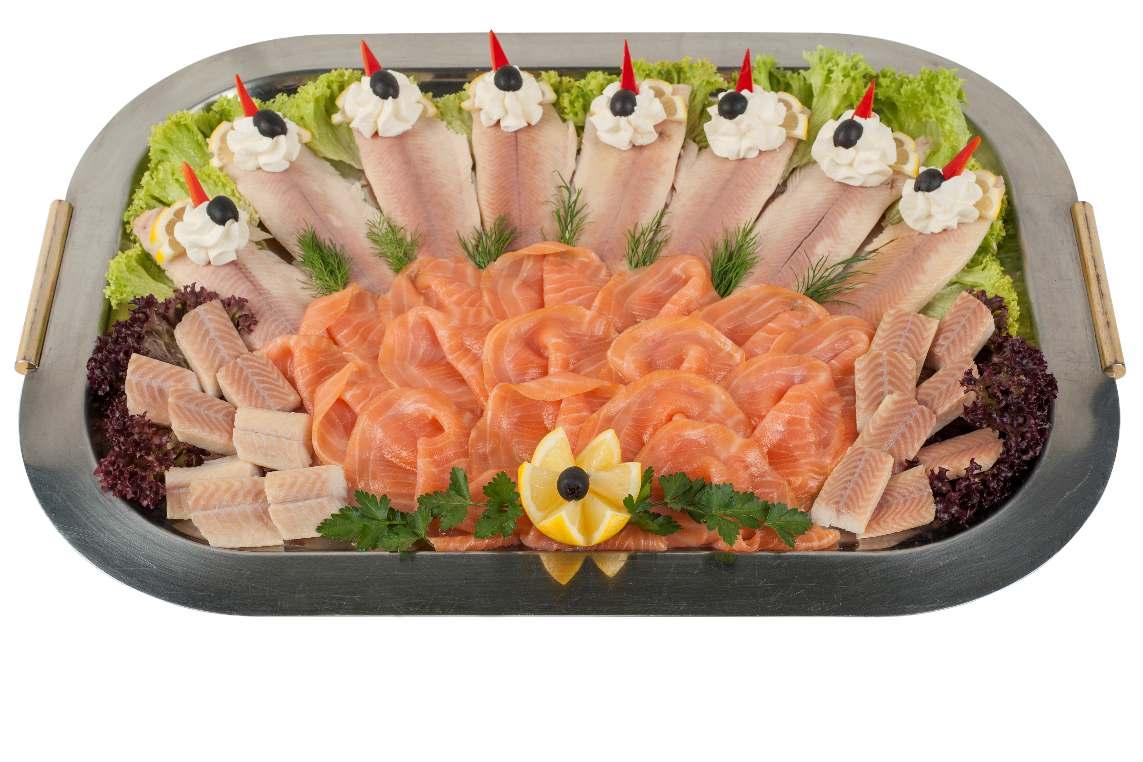 Fischplatte mit Aal, Lachs und Forelle