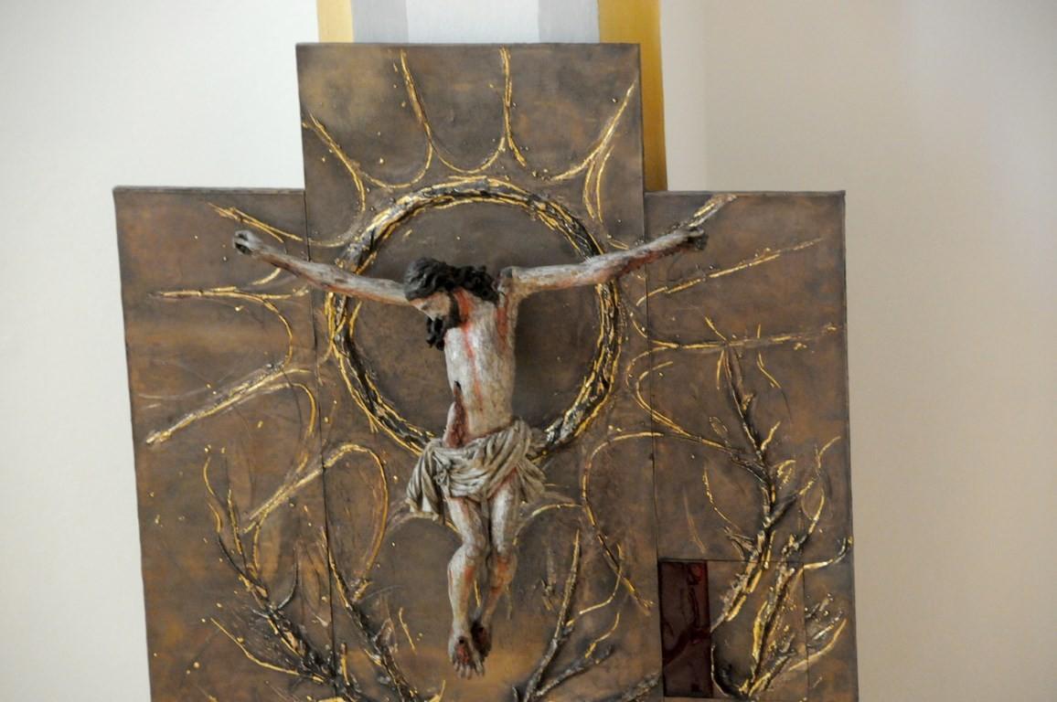 """Dort weihen wir dir ohne Ende das Opfer des Lobes auf dem lebendigen Altar, unserem Hohenpriester Jesus Christus, der in der Einheit des Heiligen Geistes mit dir lebt und herrscht in alle Ewigkeit."""""""