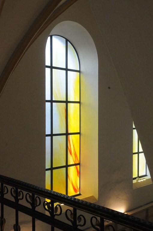 Jeder erfahre hier Gemeinschaft im Glauben und öffne sich dem Geist gegenseitiger Liebe. Dieser Altar sei die Mitte unseres Lobens und Dankens, bis wir nach dieser Zeit die Freude der ewigen Heimat erlangen.