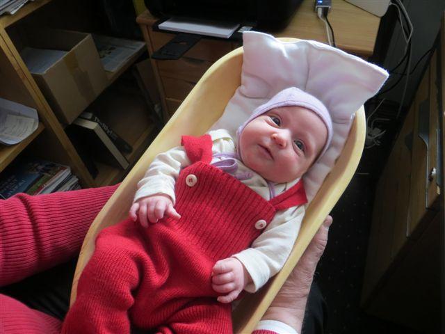 Original_Backmolle_aktuelle_NEWS_Judith Marie in einer Backmolle als Babybettchen gebraucht