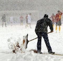 Starke Schneefälle verhindern einen geregelten Spielbetrieb am kommenden Wochenende. Foto: SHFV