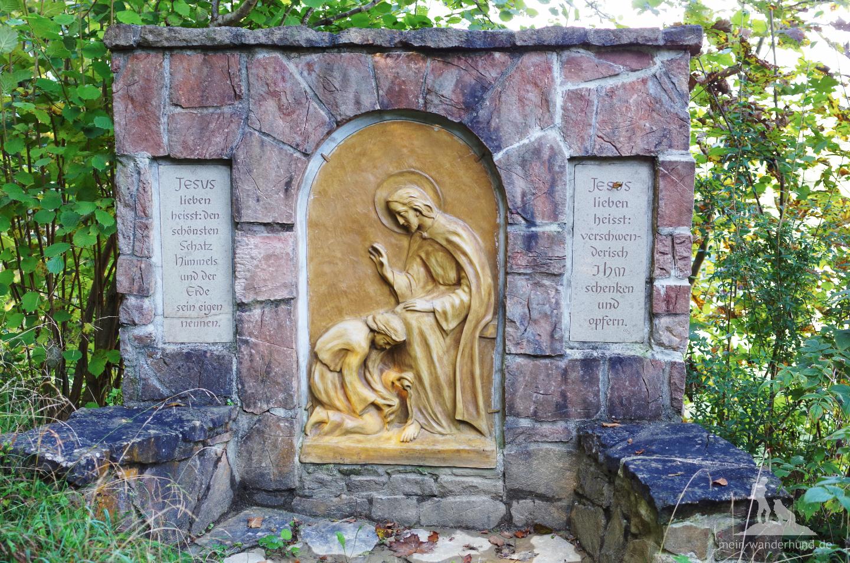 Am Staudacher Denkmal.