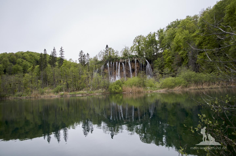 Plitwicer Seen mit Hund: Tolle Wasserfälle