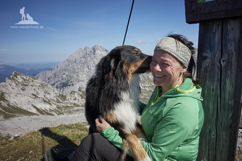 Wandern mit Hund Seehorn: Gipfelbussi.
