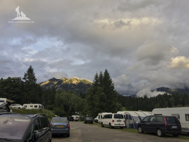 Wolkenstimmung am Campingplatz