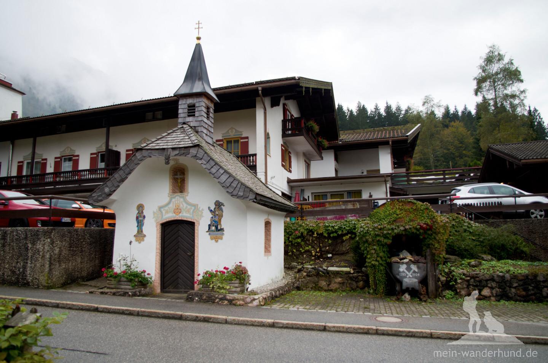 Kapelle beim Gasthof Schmelz.