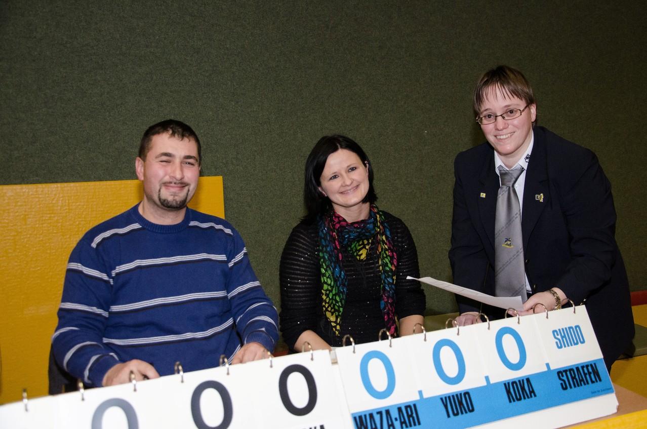 Tolle Tischbesatzung mit Admir Hasanovic, Monika Moormann, rechts KR Diana Berner; Quelle: Werner Bogenstorfer