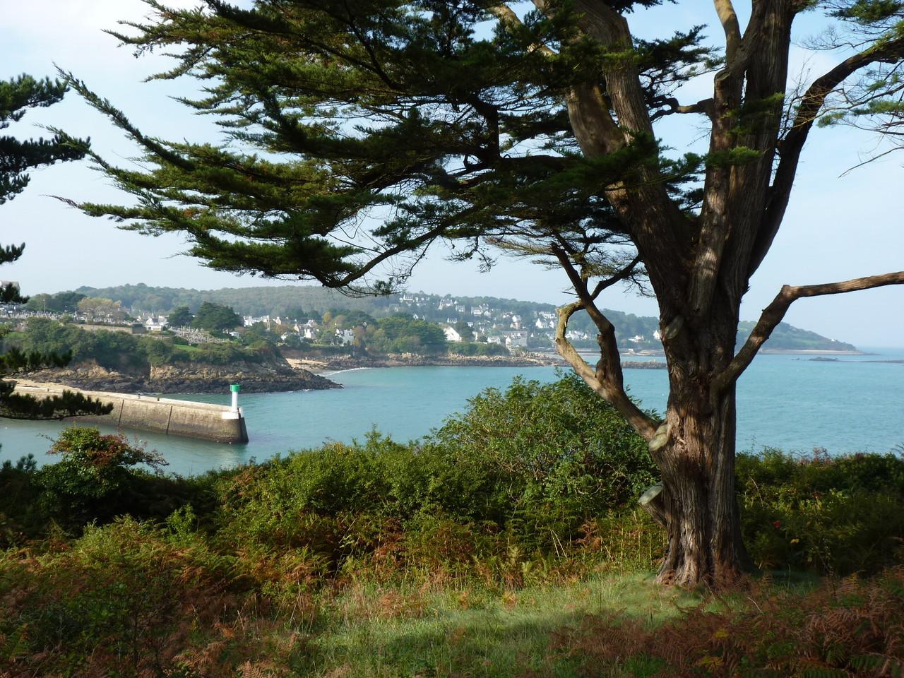 Tréboul vue de l'île Tristan