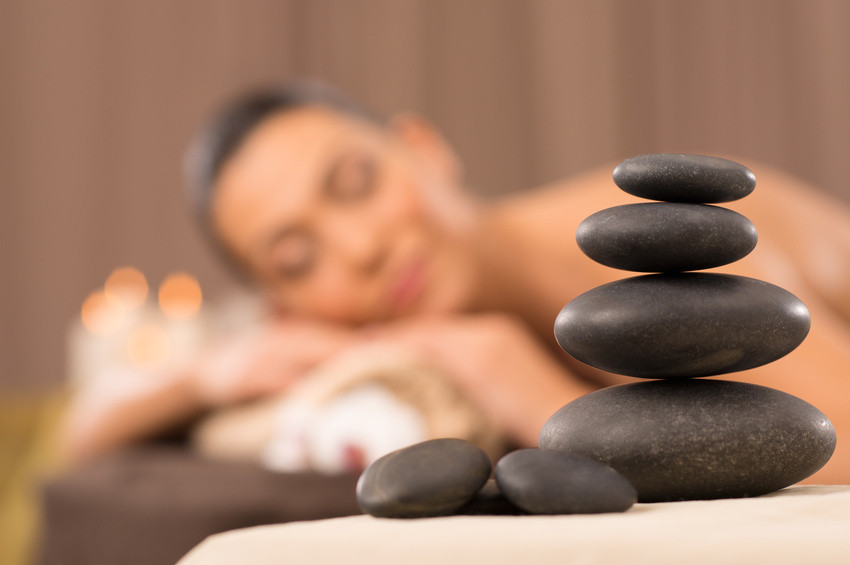 Thai Siam Spa Köln Hot Stone Massage Wellnessmassage