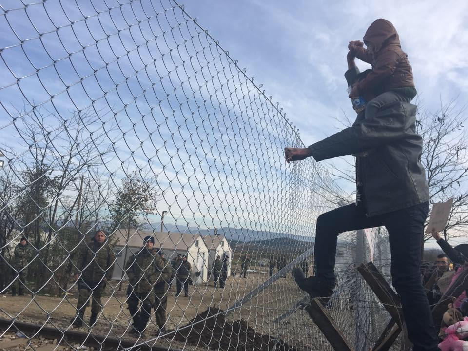 Zaun zu Mazedonien. Geschlossen.