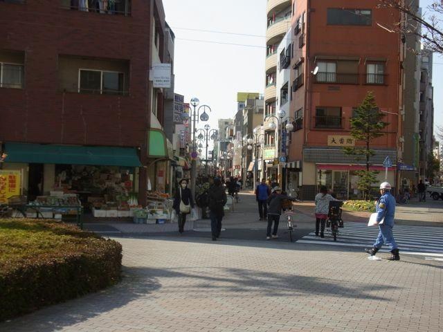 少し平井駅の方に歩きます。