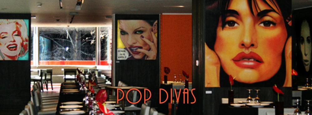 POP DIVAS es una colección dedicada a las gran Divas y Divos del la gran pantalla, artistas y cantantes de todos los tiempos. Retratos de las mujeres que han sido y serán admiradas por su belleza y talento.