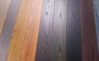 Listoni in legno massello trattati con vernici della linea Activin
