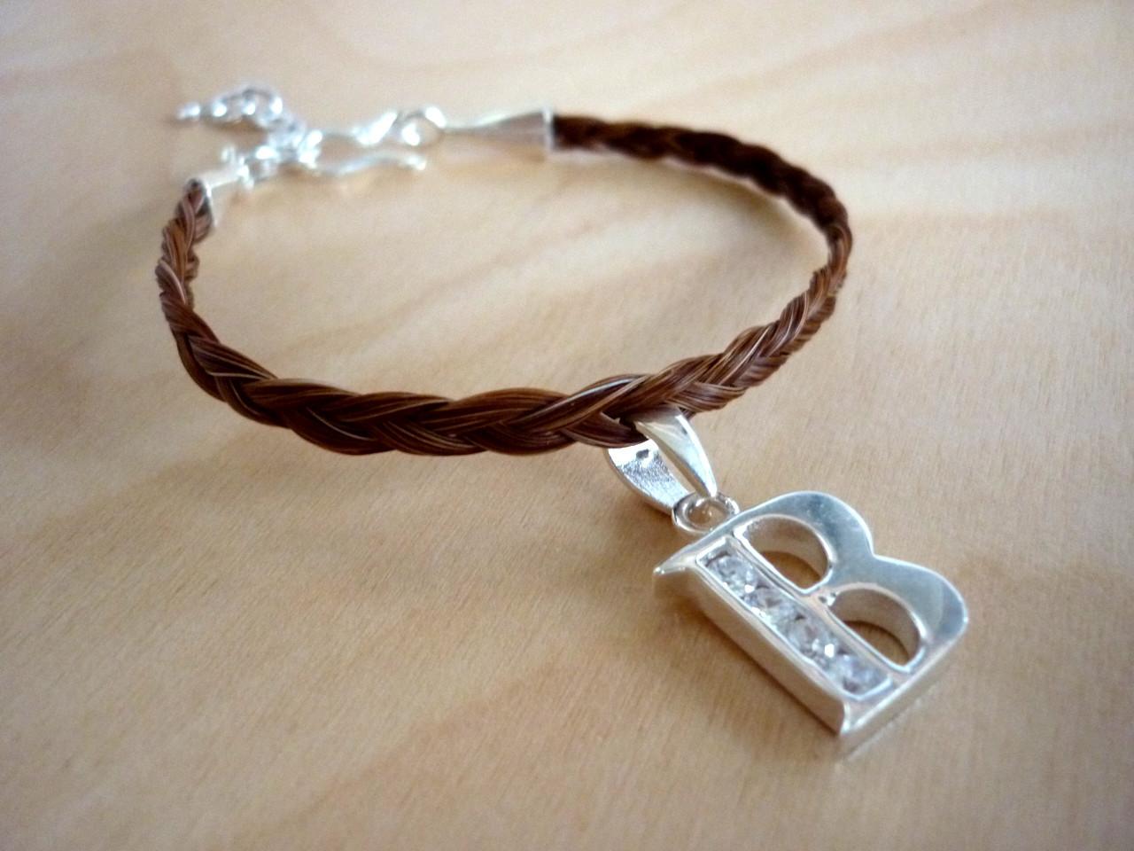 Dreifach geflochtenes Armband mit 925er Silber Buchstabe mit Zirkonia-Steinen, braunes Pferdehaar