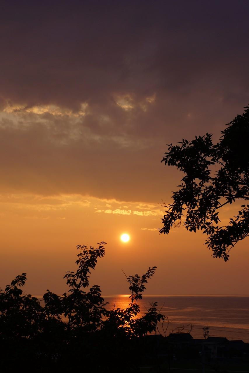6月27日:日本海に沈みゆく太陽
