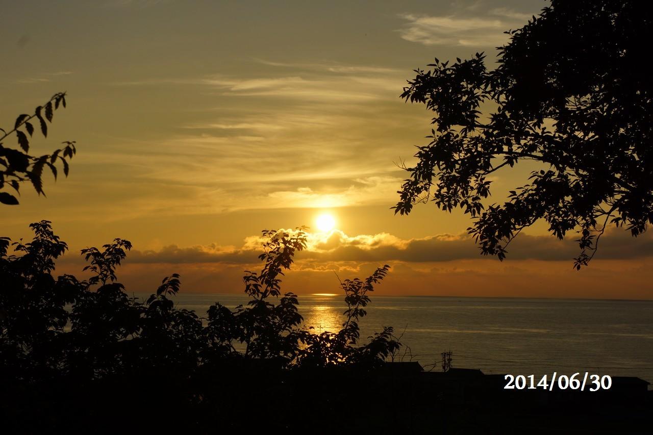 6月30日:日本海に沈みゆく太陽