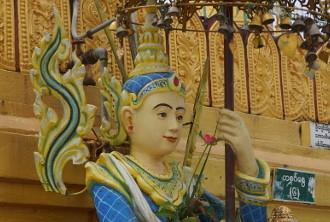 ミャンマーの守護神さま