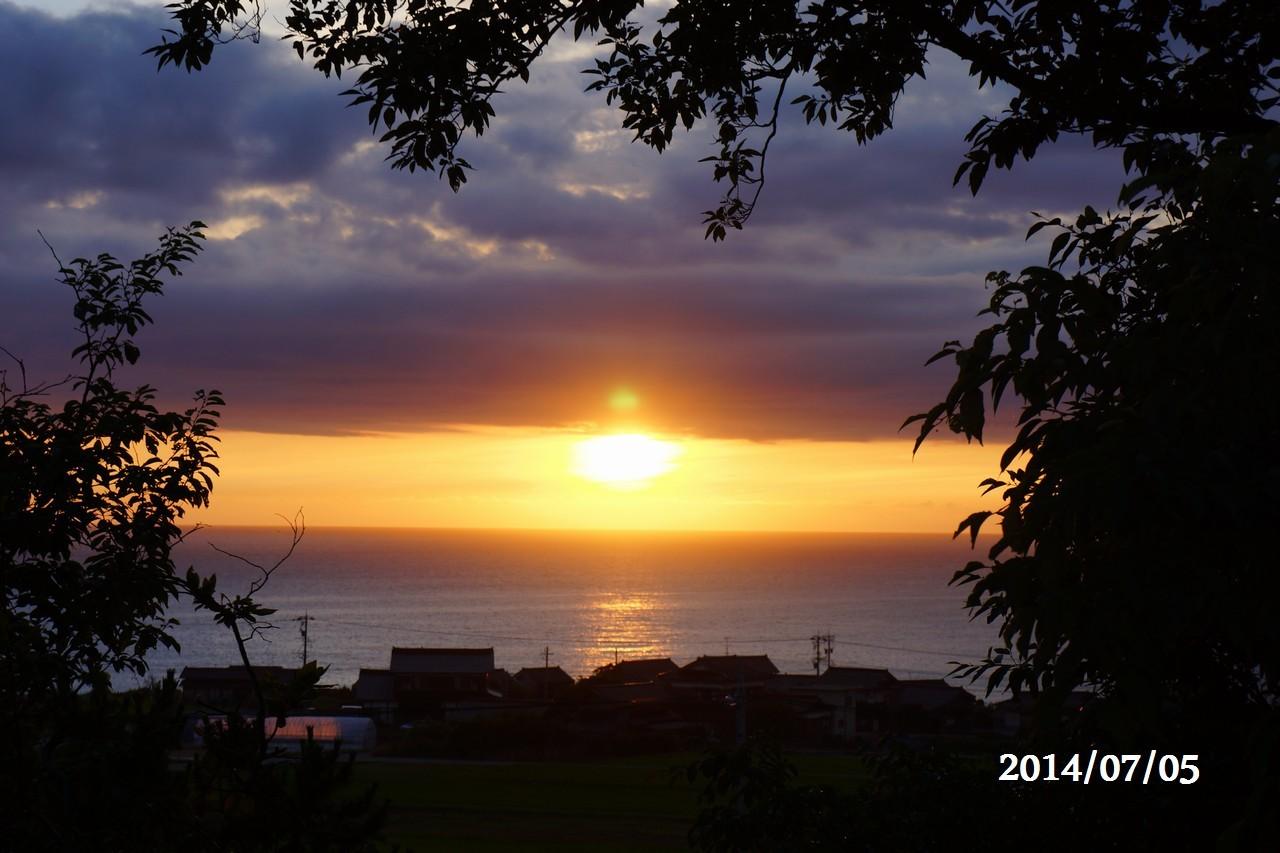 7月5日:日本海に沈みゆく太陽