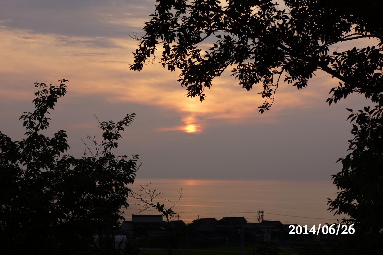 6月26日:日本海に沈みゆく太陽