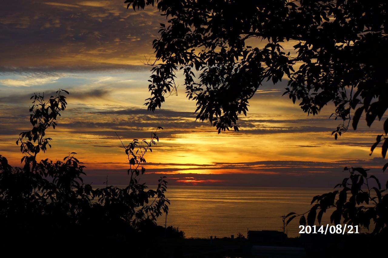 8月21日:日本海に沈みゆく太陽