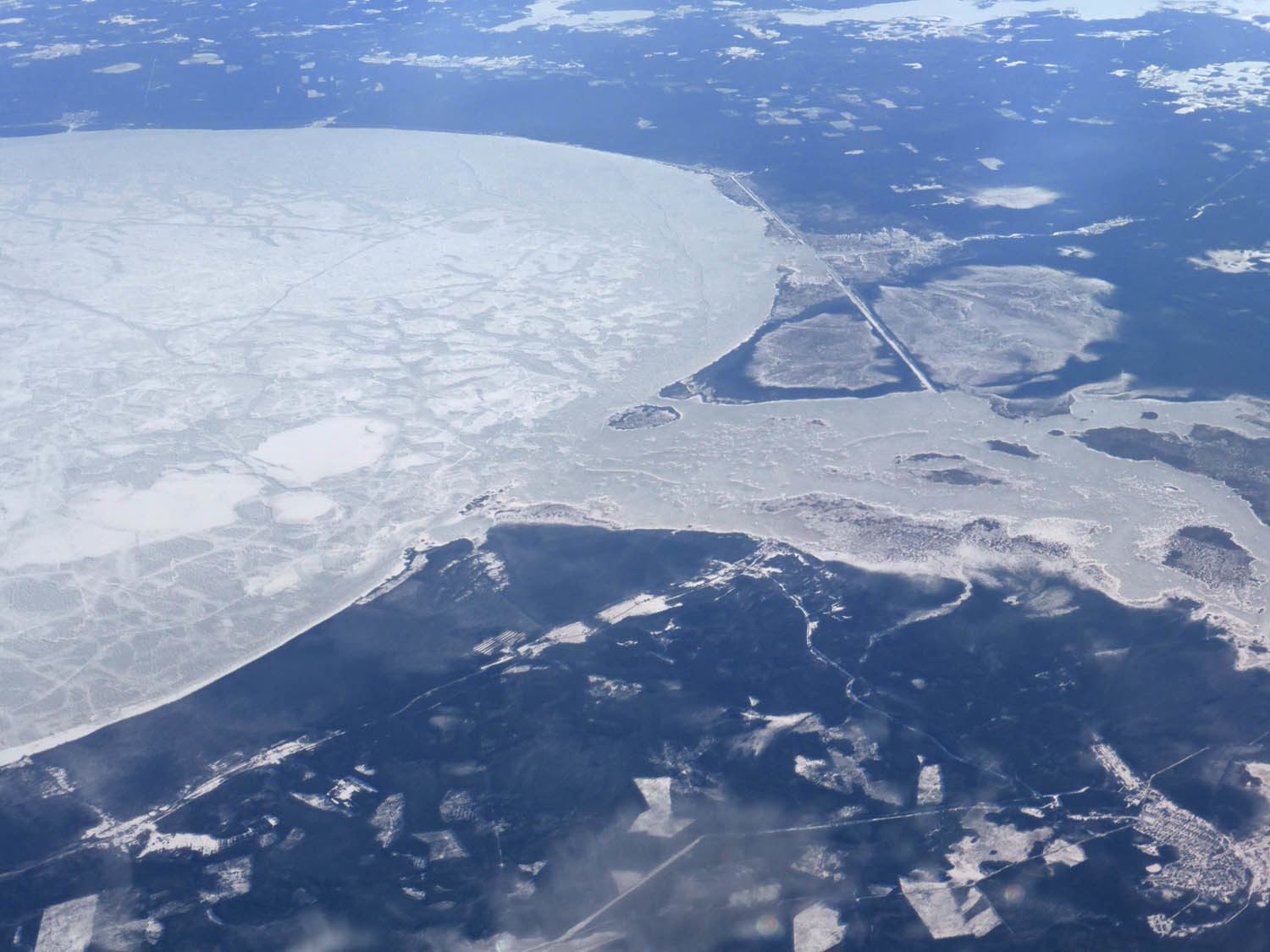 Outfall of the frozen round lake