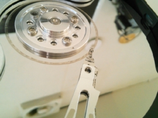 ハードディスクの内部写真