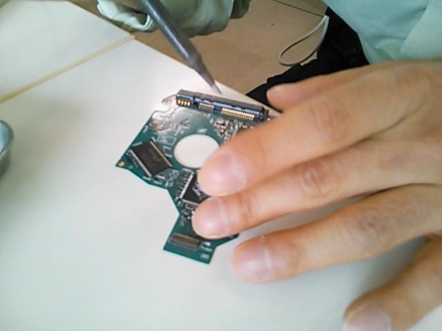 ハードディスク基板修復でのデータ救出写真