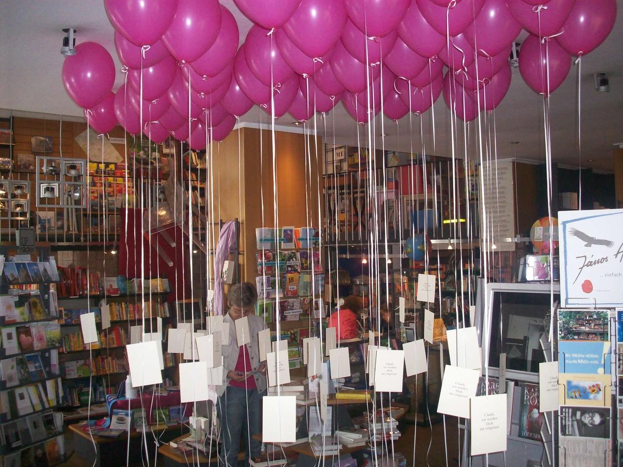schwebende ballons ballonwerkstatt orsbeck. Black Bedroom Furniture Sets. Home Design Ideas