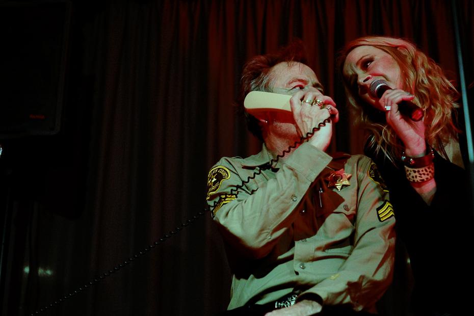 Johnny Ketzel im Duett mit Inèz Sa Naan