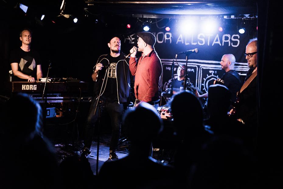 The Senior Allstars mit Longfingah und Tonto Addi am 7. Dezember 2018 im Gleis 22