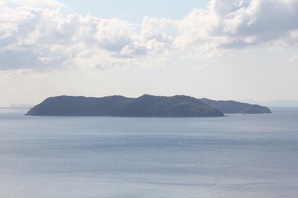 黒岩水仙郷より沼島を望む