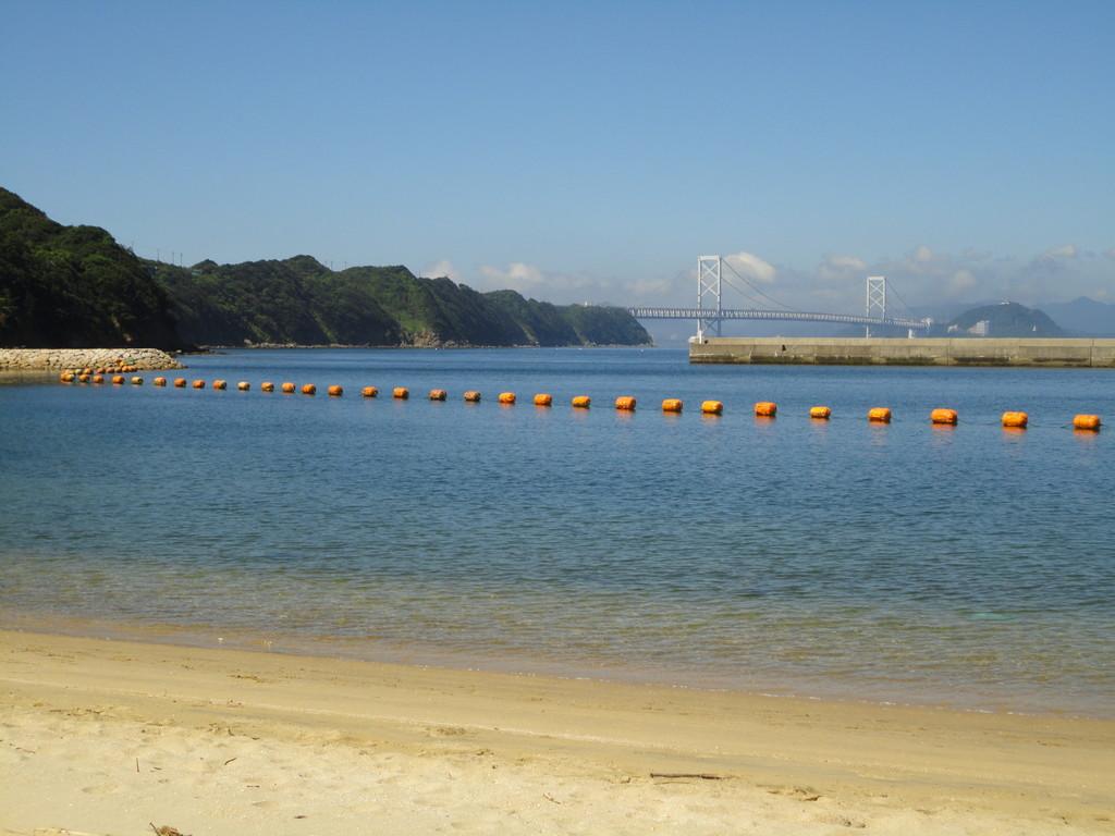 うずしお村から大鳴門橋を望む