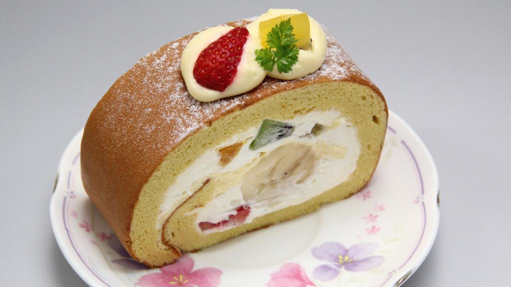 ティーラウンジ ル・クール 季節のロールケーキ 1カット 450円