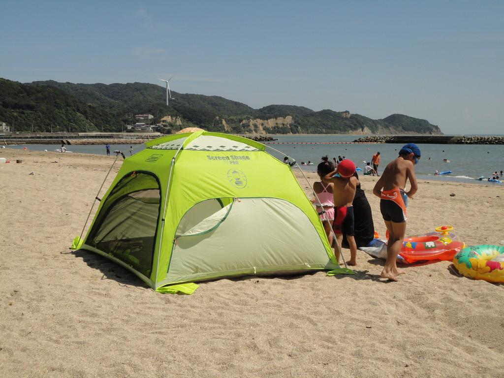 ビーチのテント