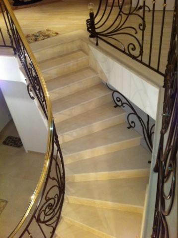 maison neuve escalier en Combe Brune rampe Joël Baudouin