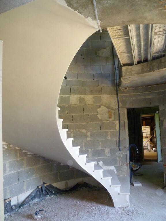 Escalier dans tour ronde finesse de la voute