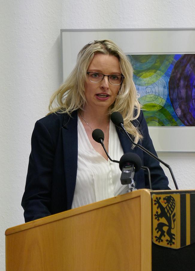 Daniela Kreißig, Eventmanagerin und Netzwerkspezialistin, gibt einen Input zu Stragtegien für faire Honorare.
