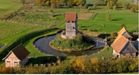 So könnte die Dahmer Turmhügelburg ausgesehen haben (Mittelaltermuseum in Lütjenburg)