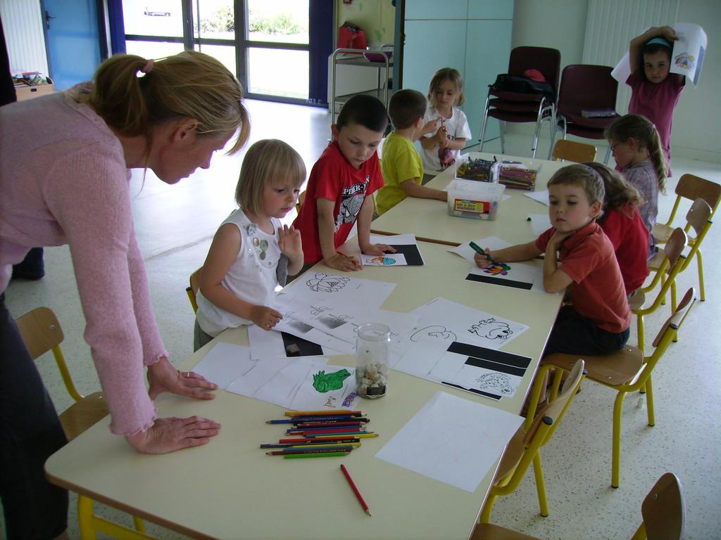 concours de dessin pour le centre de loisirs