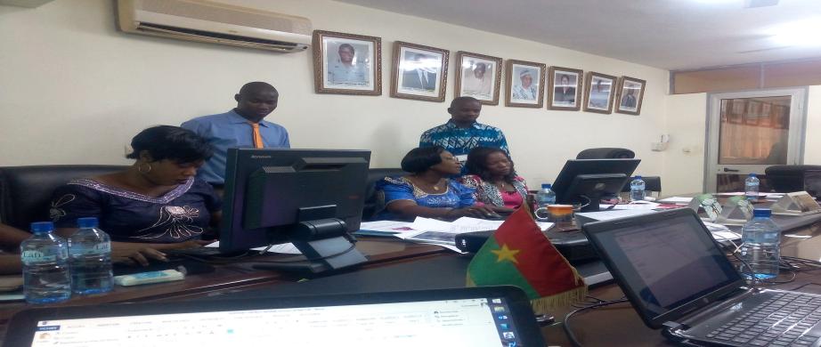 Atelier de formation des agents de SONATER  à la prise main du logiciel d'alerte SMS