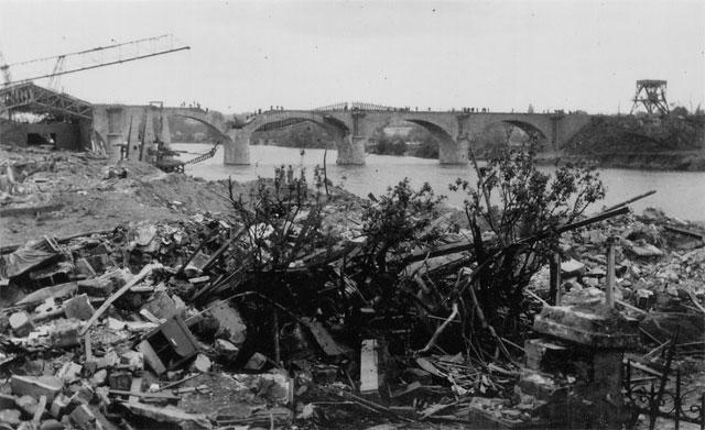 Récits des bombardements du pont de chemin de fer
