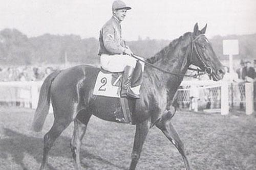 """""""Le Paillon"""" vainqueur en 1947 du Prix de l'Arc de Triomphe et de la Grande Course de Haies d'Auteuil"""