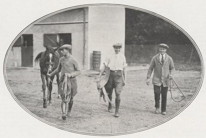 Dressage d'un Yearling dans l'écurie de James d'Ockuyssen en 1927