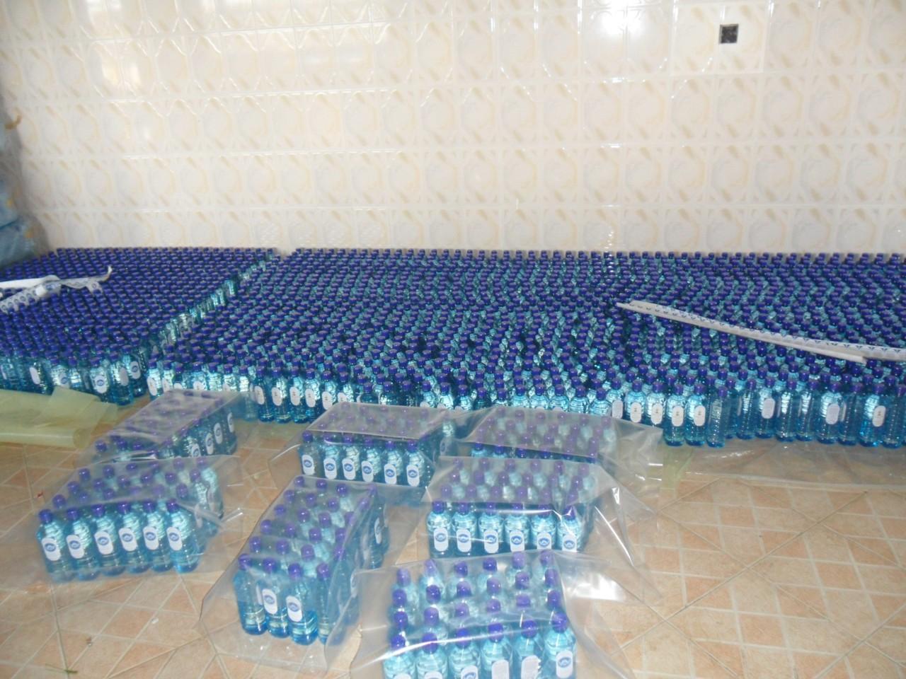 Wasserflaschen für die Schulküche